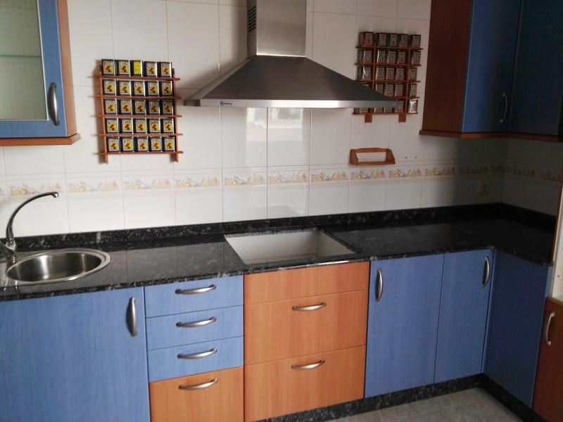 Piso en venta en Ponteareas, Pontevedra, Calle Vidales Torné, 131.000 €, 3 habitaciones, 2 baños, 126 m2