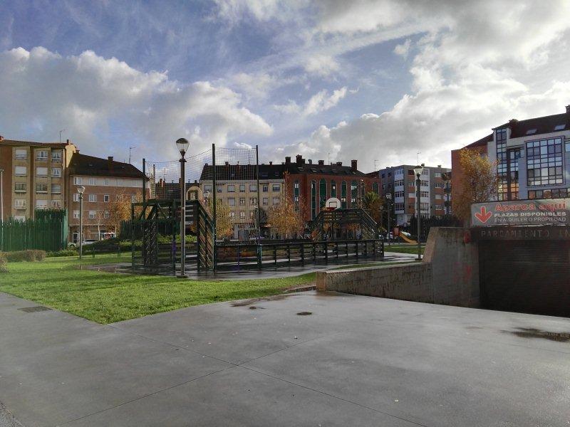Piso en venta en Gijón, Asturias, Calle Ampurdan, 56.000 €, 3 habitaciones, 1 baño, 95 m2