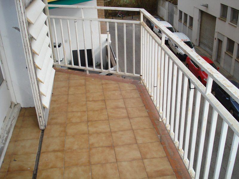 Piso en venta en Distrito Rural Este, Salt, Girona, Camino los Arces, 115.000 €, 4 habitaciones, 1 baño, 119 m2
