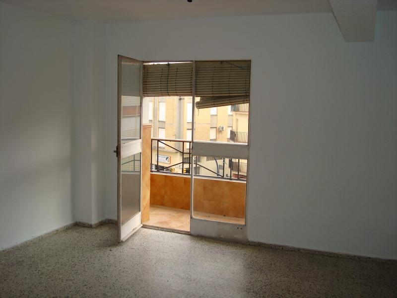 Piso en venta en Las Vegas, Lucena, Córdoba, Calle Baena, 66.000 €, 4 habitaciones, 1 baño, 111 m2