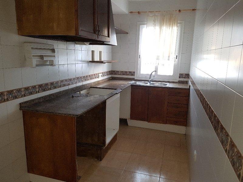 Piso en venta en Ciutadella de Menorca, Baleares, Calle del Cap de Bajoli, 75.000 €, 2 habitaciones, 1 baño, 64 m2