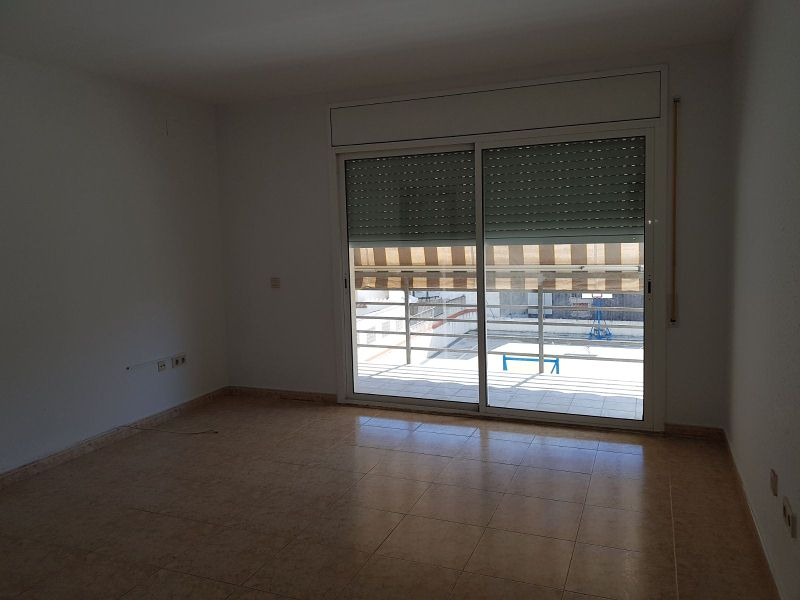 Piso en venta en Sant Pere de Ribes, Barcelona, Calle Roger de Flor, 148.000 €, 4 habitaciones, 1 baño, 91 m2