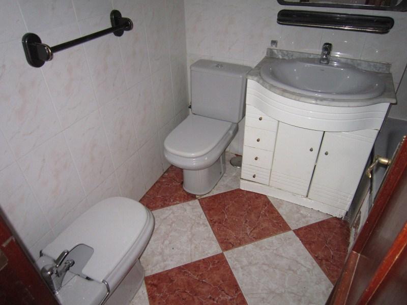 Piso en venta en Algeciras, Cádiz, Calle Pablo Neruda, 60.000 €, 3 habitaciones, 1 baño, 86 m2