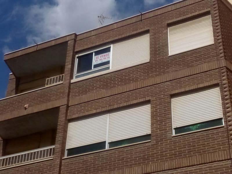 Piso en venta en Novelda, Novelda, Alicante, Calle Capellan Margall, 60.100 €, 3 habitaciones, 1 baño, 141 m2