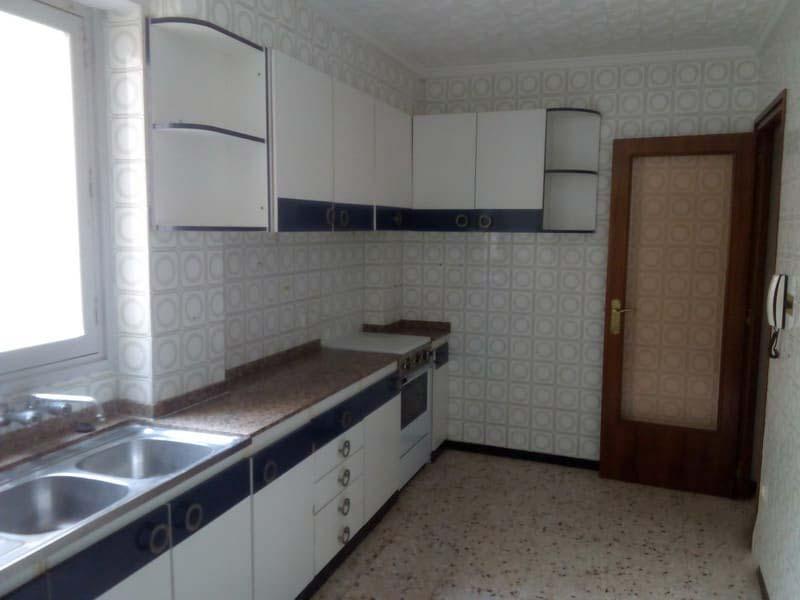 Piso en venta en Novelda, Novelda, Alicante, Calle Goya, 37.900 €, 3 habitaciones, 1 baño, 106 m2