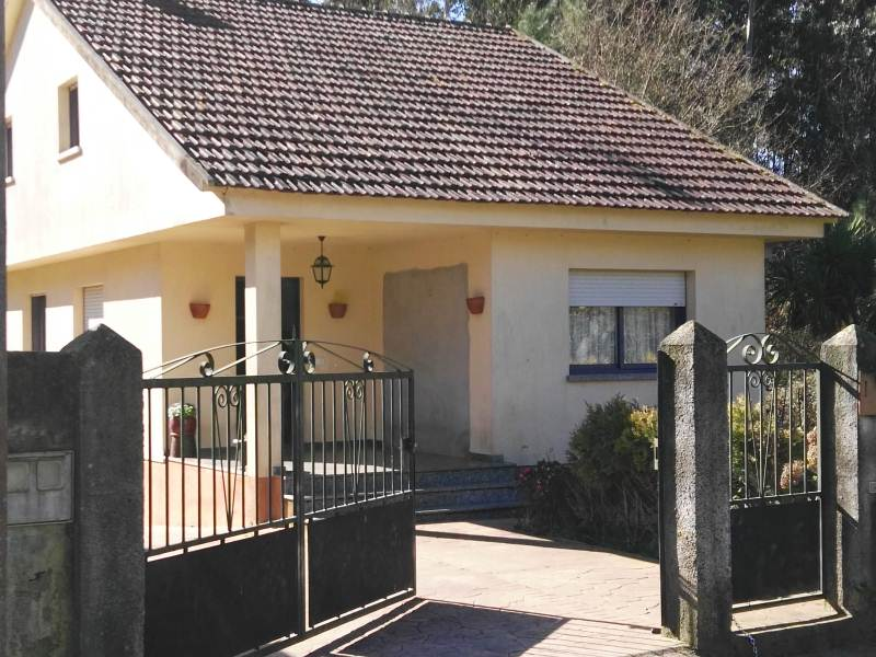 Casa en venta en Tomiño, Pontevedra, Lugar O Souto, 180.000 €, 3 habitaciones, 2 baños, 219 m2