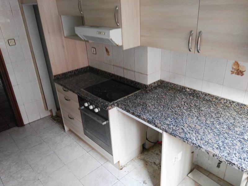 Piso en venta en Gijón, Asturias, Calle María Josefa, 50.500 €, 3 habitaciones, 1 baño, 74 m2