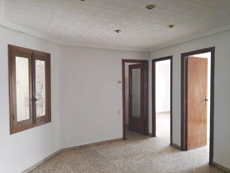 Piso en venta en Piso en Crevillent, Alicante, 30.000 €, 3 habitaciones, 1 baño, 77 m2