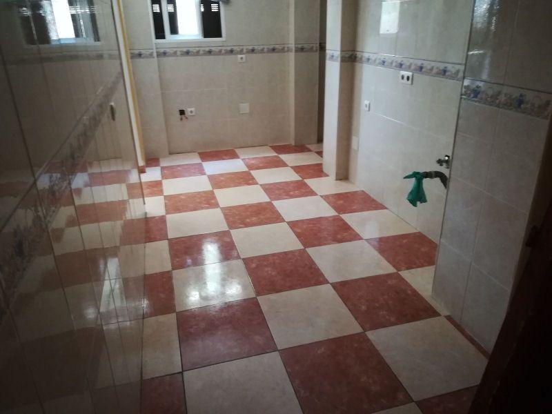 Piso en venta en Málaga, Málaga, Calle Tembleque, 87.000 €, 3 habitaciones, 1 baño, 94 m2