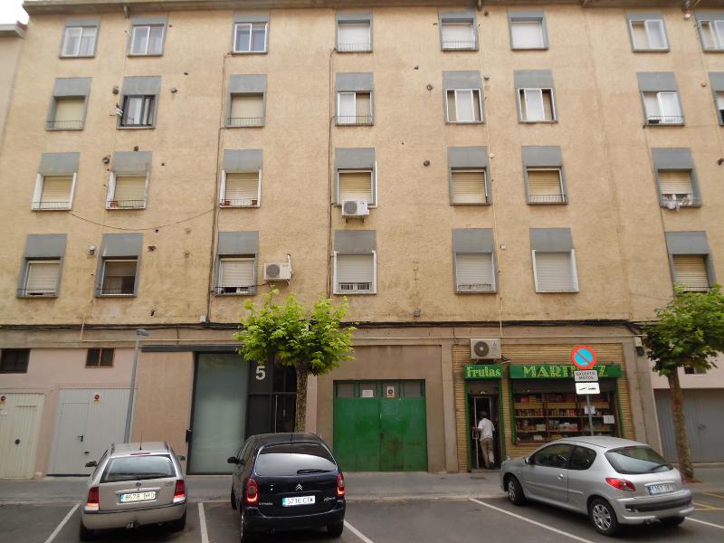 Piso en venta en Tudela, Navarra, Calle Benito Caparroso Paños, 55.000 €, 4 habitaciones, 1 baño, 90 m2