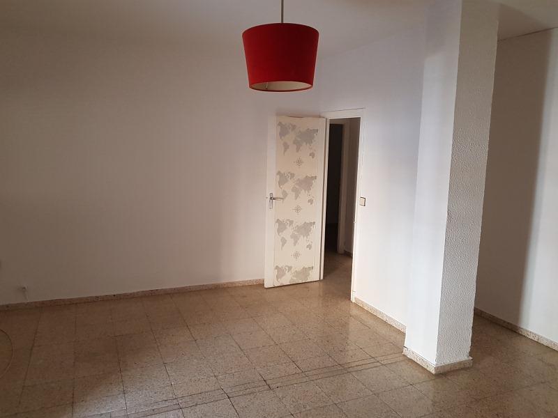 Piso en venta en Sevilla, Sevilla, Calle Jose Arpa, 58.000 €, 2 habitaciones, 1 baño, 69 m2