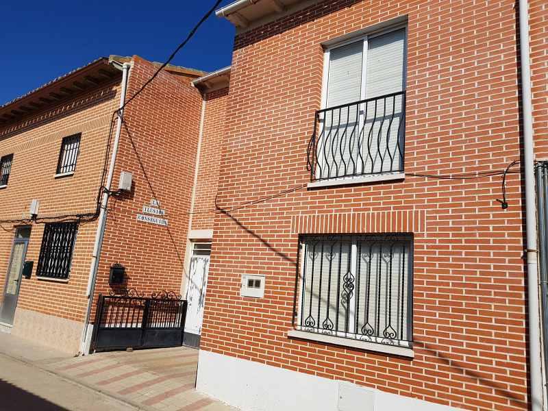 Casa en venta en Nueva Villa de la Torres, Nueva Villa de la Torres, Valladolid, Calle Porrilla, 126.000 €, 5 habitaciones, 2 baños, 168 m2