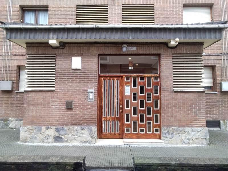 Piso en venta en Las Campas Y San Claudio, Oviedo, Asturias, Calle la Cruz, 110.000 €, 3 habitaciones, 2 baños, 96 m2