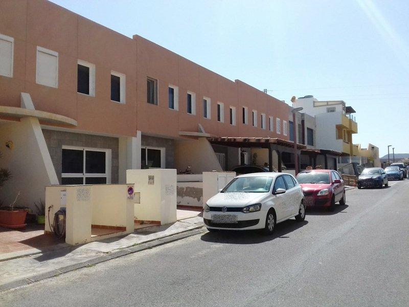 Casa en venta en El Matorral, Puerto del Rosario, Las Palmas, Calle los Arrifes, 122.000 €, 3 habitaciones, 1 baño, 104 m2