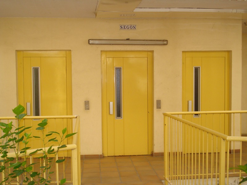 Piso en venta en Vilatenim, Figueres, Girona, Calle Riumors, 145.000 €, 4 habitaciones, 1 baño, 93 m2