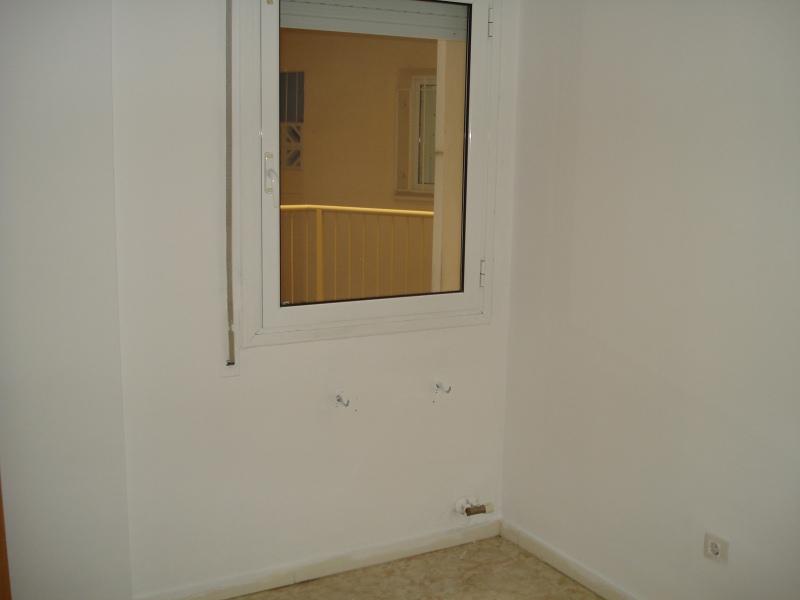 Piso en venta en Piso en Figueres, Girona, 145.000 €, 4 habitaciones, 1 baño, 93 m2, Garaje