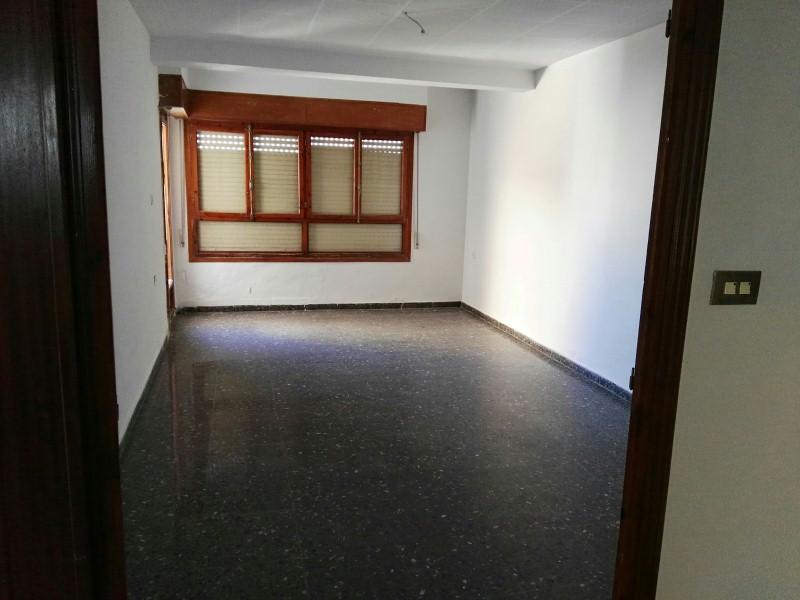 Piso en venta en Villena, Alicante, Calle de Santa Maria de la Cabeza, 77.000 €, 4 habitaciones, 2 baños, 116 m2