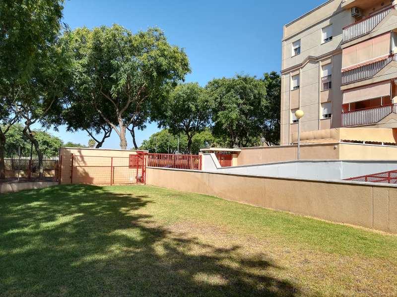 Piso en venta en Jerez de la Frontera, Cádiz, Calle Milan, 164.000 €, 3 habitaciones, 2 baños, 139 m2