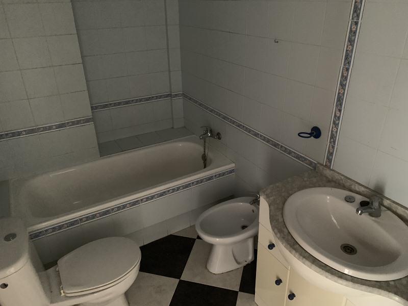 Piso en venta en Piso en Ayamonte, Huelva, 84.000 €, 2 habitaciones, 2 baños, 75 m2
