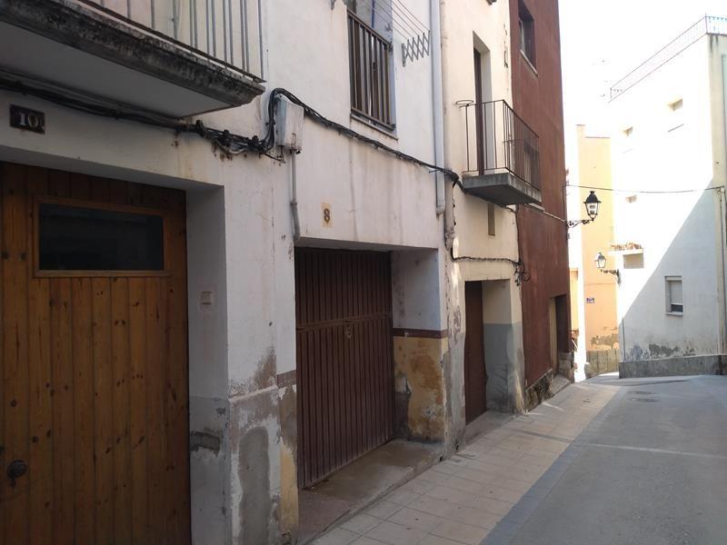 Casa en venta en Flix, Tarragona, Calle la Barca, 21.000 €, 3 habitaciones, 2 baños, 159 m2