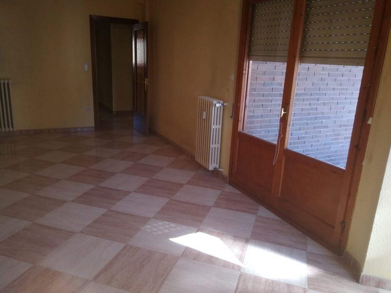 Piso en venta en Jaca, Huesca, Calle Valle Labati, 141.900 €, 3 habitaciones, 2 baños, 83 m2