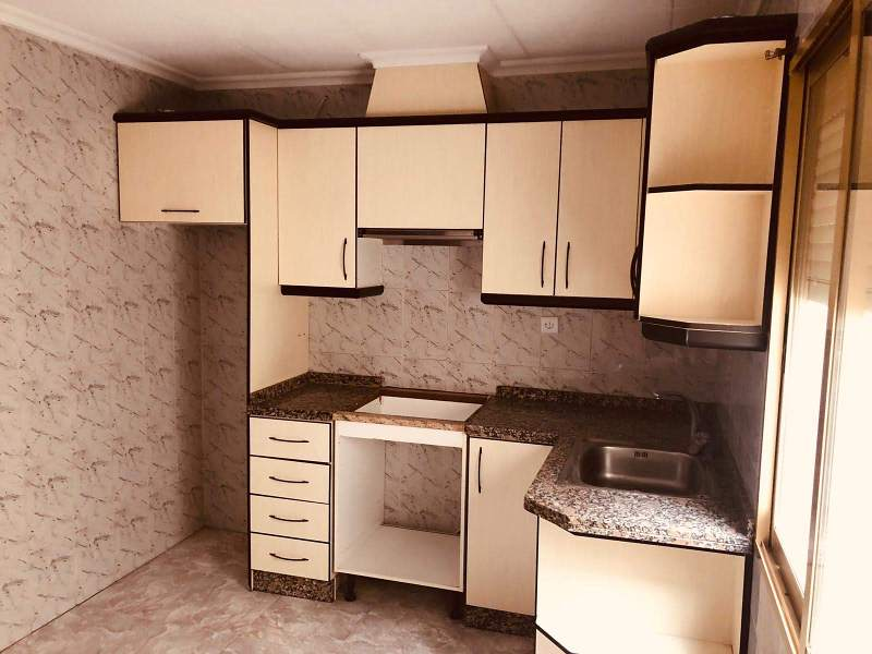 Piso en venta en Elche/elx, Alicante, Calle José Romero López, 39.000 €, 3 habitaciones, 1 baño, 93 m2