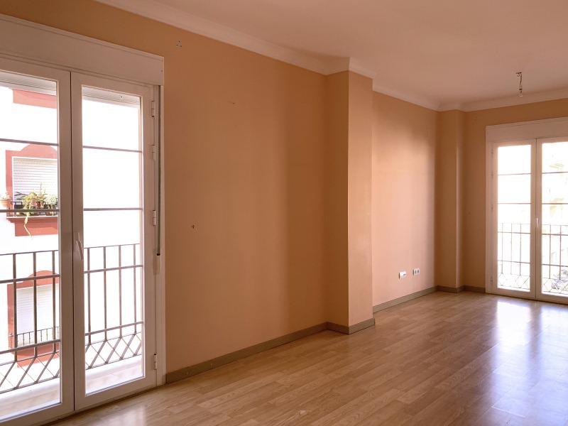 Piso en venta en Bollullos Par del Condado, Huelva, Avenida de la Feria, 105.000 €, 3 habitaciones, 2 baños, 103 m2