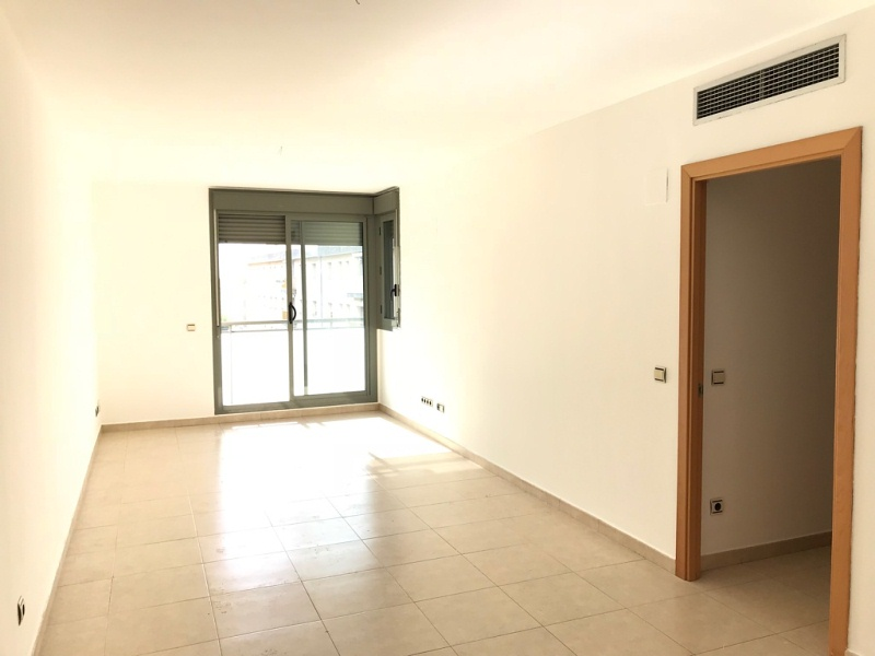 Piso en venta en Torredembarra, Tarragona, Plaza de Mossen Joaquim Boronot, 172.000 €, 3 habitaciones, 2 baños, 107 m2