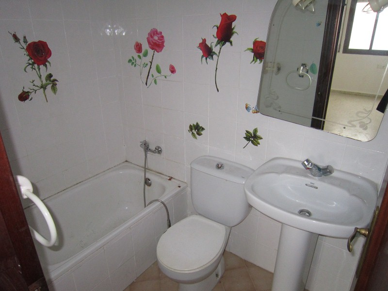 Piso en venta en Benalup-casas Viejas, Cádiz, Calle Alamos Blancos, 68.000 €, 3 habitaciones, 2 baños, 92 m2