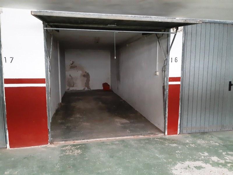 Piso en venta en Piso en Berja, Almería, 66.000 €, 2 habitaciones, 1 baño, 61 m2, Garaje