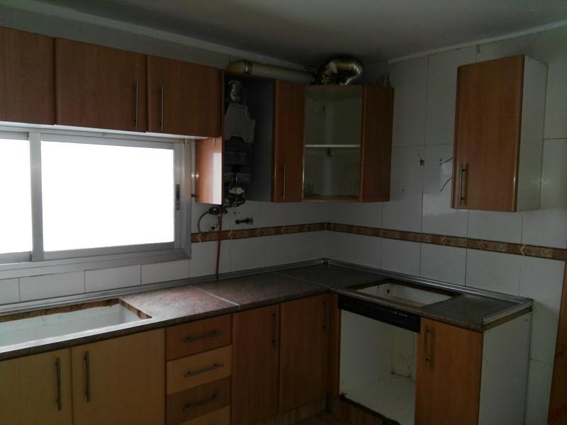 Piso en venta en Monte Vedat, Torrent, Valencia, Calle José Iturb, 73.000 €, 4 habitaciones, 1 baño, 140 m2