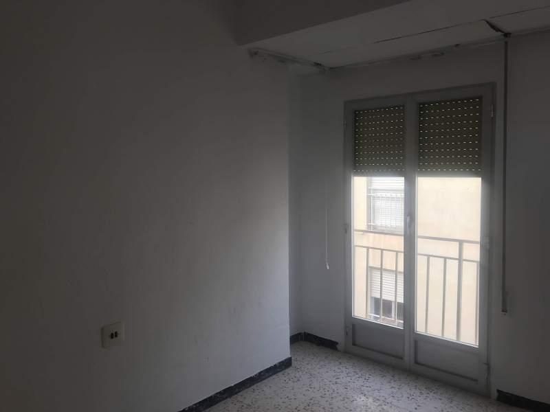 Piso en venta en Piso en Elche/elx, Alicante, 41.000 €, 3 habitaciones, 1 baño, 97 m2