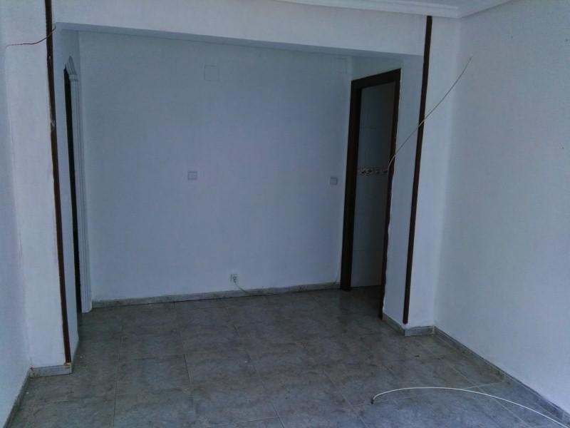 Piso en venta en Valencia, Valencia, Calle de Daroca, 49.000 €, 3 habitaciones, 1 baño, 67 m2