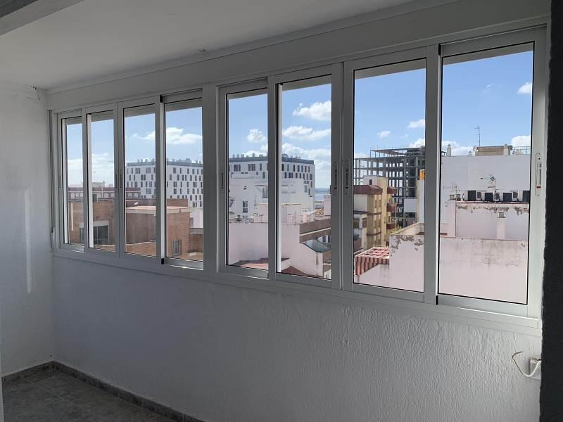 Piso en venta en Huelva, Huelva, Avenida Av del Ancla, 44.000 €, 3 habitaciones, 1 baño, 88 m2