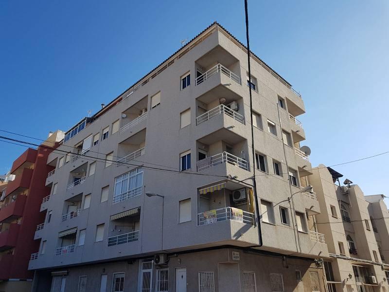 Piso en venta en La Mata, Torrevieja, Alicante, Calle Parodi Hermanos, 60.000 €, 1 habitación, 1 baño, 52 m2