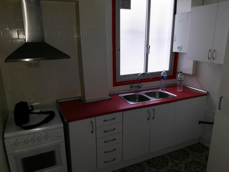 Piso en venta en L´olivereta, Valencia, Valencia, Avenida Pérez Galdós, 105.000 €, 2 habitaciones, 1 baño, 87 m2
