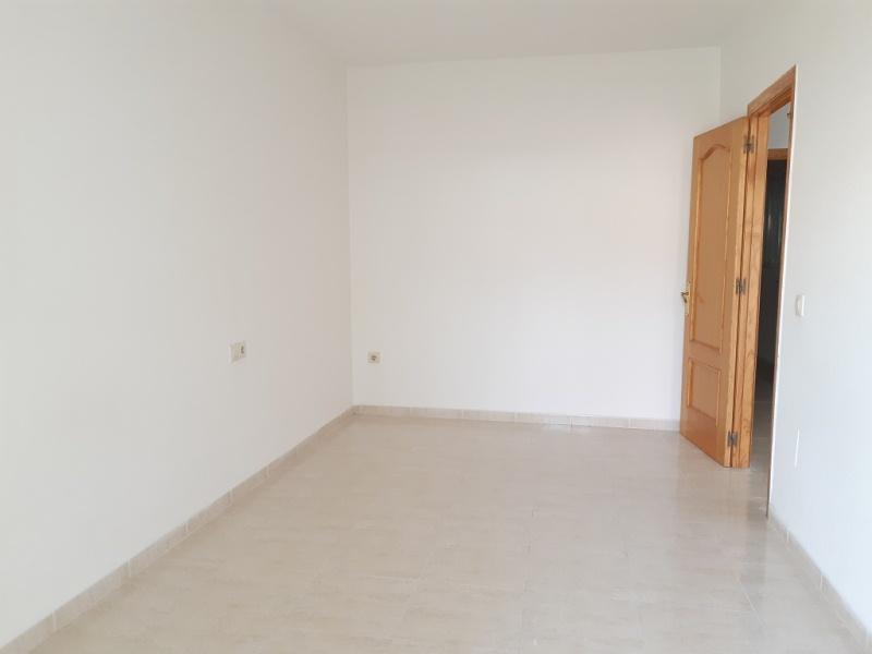 Piso en venta en Piso en Vícar, Almería, 61.000 €, 2 habitaciones, 1 baño, 77 m2