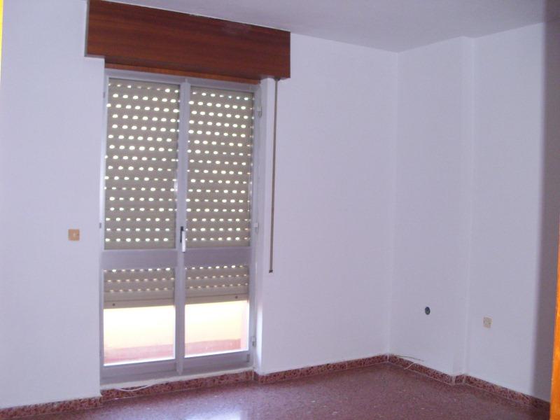 Piso en venta en Torre del Campo, Jaén, Calle Pintor Zabaleta, 91.000 €, 4 habitaciones, 1 baño, 103 m2