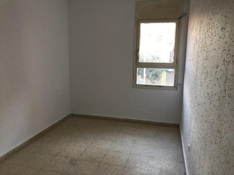 Piso en venta en Piso en Tarragona, Tarragona, 70.000 €, 4 habitaciones, 1 baño, 85 m2