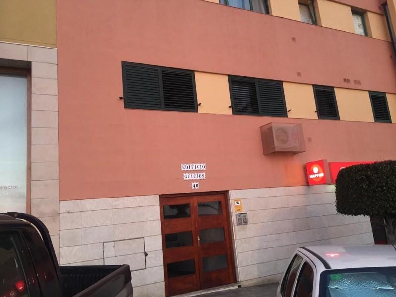 Piso en venta en Guía de Isora, Santa Cruz de Tenerife, Calle Guía de Isora, 127.000 €, 3 habitaciones, 2 baños, 102 m2