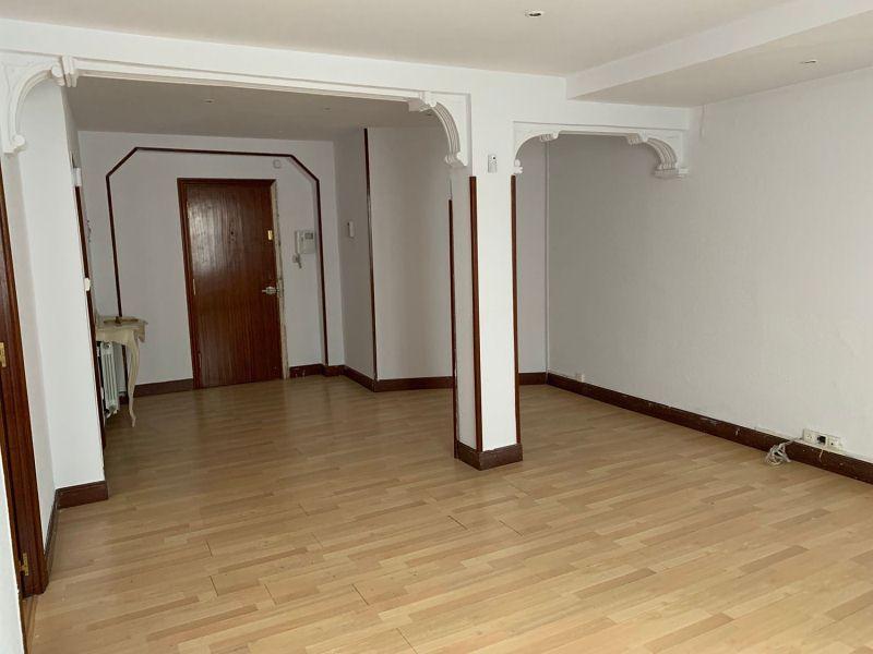 Piso en venta en Paraíso - Pelayo, Castro-urdiales, Cantabria, Calle Leonardo Rucabado, 123.500 €, 2 habitaciones, 1 baño, 93 m2