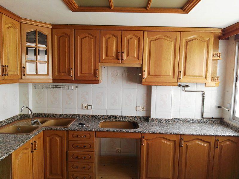 Piso en venta en Rascanya, Valencia, Valencia, Calle Marquez de Montortal, 48.000 €, 3 habitaciones, 1 baño, 84 m2