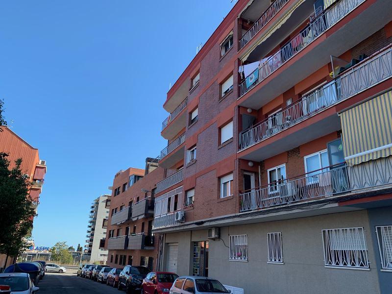 Piso en venta en Badalona, Barcelona, Calle Juan de la Cierva, 200.000 €, 2 habitaciones, 1 baño, 72 m2