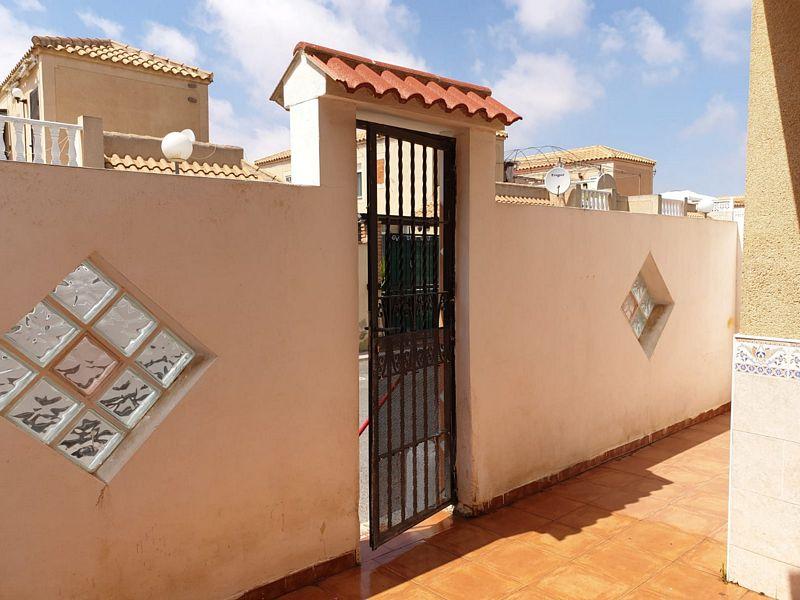 Piso en venta en Torrevieja, Alicante, Calle Manuel Vera Espinosa, 78.000 €, 3 habitaciones, 1 baño, 62 m2