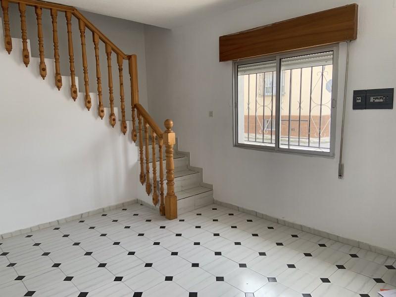 Piso en venta en Sant Andreu de la Barca, Barcelona, Calle del Montseny, 135.000 €, 4 habitaciones, 1 baño, 88 m2