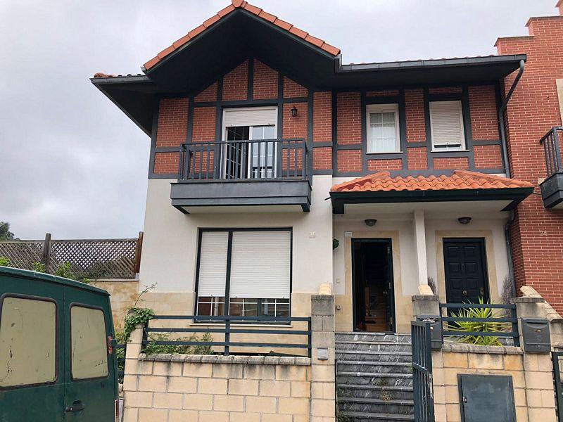 Casa en venta en Paraíso - Pelayo, Castro-urdiales, Cantabria, Avenida España, 305.000 €, 3 habitaciones, 3 baños, 158,98 m2