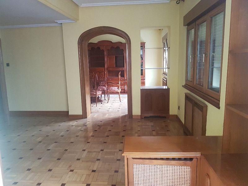 Piso en venta en Centro Y Casco Histórico, Oviedo, Asturias, Avenida Galicia, 381.000 €, 5 habitaciones, 3 baños, 191 m2