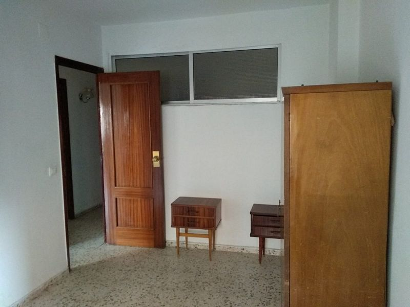 Piso en venta en El Perú, Cáceres, Cáceres, Calle Antonio Floriano Cumbreño, 107.000 €, 3 habitaciones, 1 baño, 101,12 m2