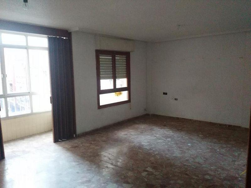 Piso en venta en Rabaloche, Orihuela, Alicante, Calle Mestro Moreno, 81.000 €, 4 habitaciones, 2 baños, 140,8 m2
