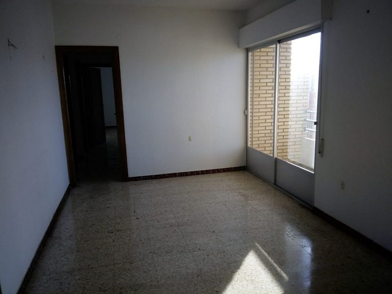 Piso en venta en Don Benito, Badajoz, Calle Miraflores, 60.000 €, 4 habitaciones, 1 baño, 103 m2